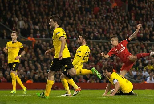Coutinho thắp lại hy vọng cho Liverpool