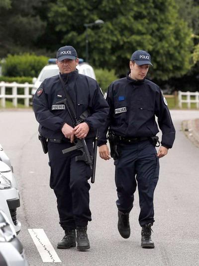 Cảnh sát Pháp tích cực hoạt động sau vụ việc đáng tiếc ở Marseille