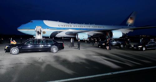 Chuyên cơ Air Force One chở Tổng thống Obama dự kiến hạ cánh xuống sân bay Nôi Bài vào rạng sáng ngày 23-5 - Ảnh minh họa