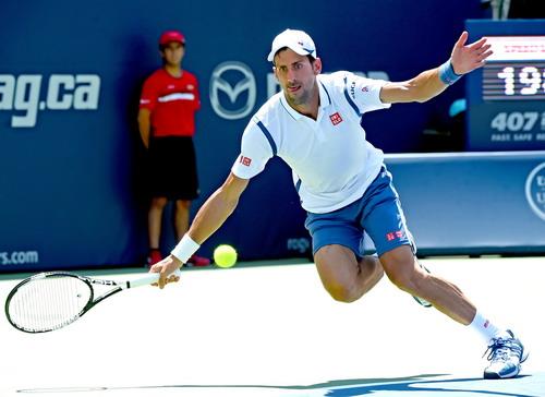 Djokovic khẳng định sức mạnh trước dị nhân Monfils