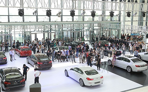 Triển lãm BMW World Việt Nam 2016 bắt đầu mở cửa tại Trung tâm Hội nghị Quốc gia từ sáng 7/5