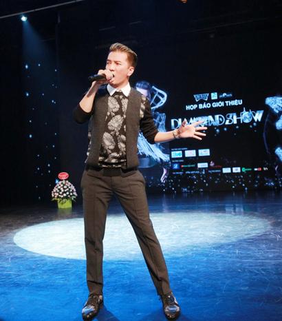 Chi chí cho liveshow kỷ niệm 20 năm ca hát của ca sĩ Đàm Vĩnh Hưng lên đến 12 tỉ đồng