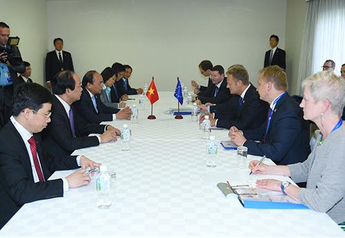 Thủ tướng Nguyễn Xuân Phúc gặp gỡ với Chủ tịch Ủy ban châu Âu và Chủ tịch Hội đồng châu Âu