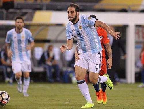 Gonzalo Higuain trong màu áo tuyển Argentina