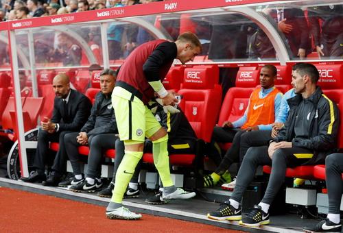 Hart ngồi dự bị dưới triều của Pep Guardiola