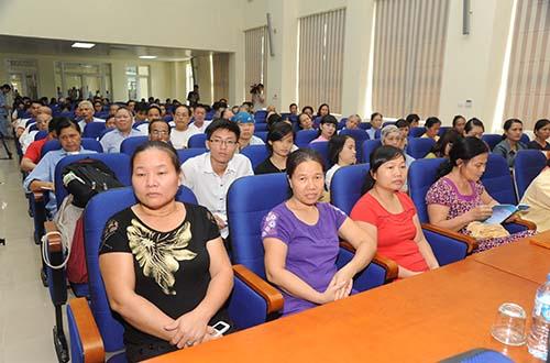 Bệnh nhân tham gia tại một hội thảo tìm hiểu về bệnh ung thư