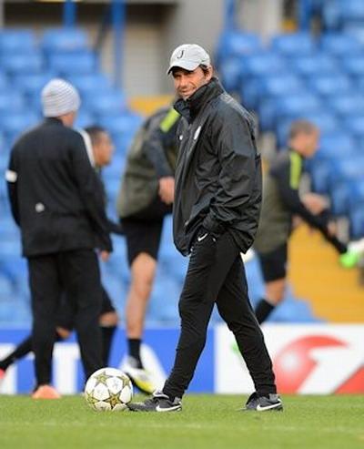 Antonio Conte được nhiều đội bóng quan tâm nhưng đã chọn Chelsea