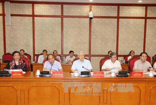 Tổng Bí thư Nguyễn Phú Trọng và các thành viên Bộ Chính trị, Ban Bí thư tham dự cuộc họp - Ảnh: TTXVN
