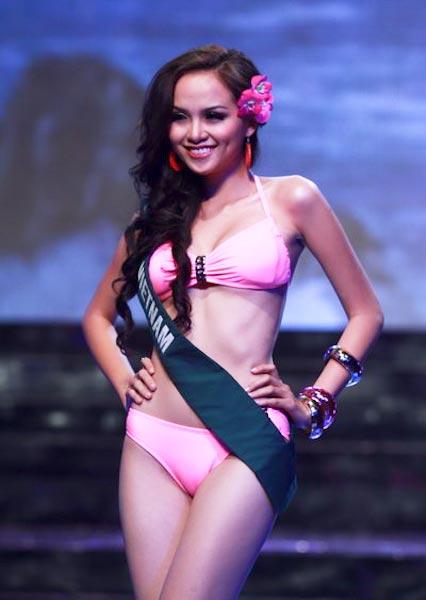Lưu Thị Diễm Hương giành giải thưởng Miss Bikini tại cuộc thi Hoa hậu Trái đất 2010 tổ chức tại Việt Nam