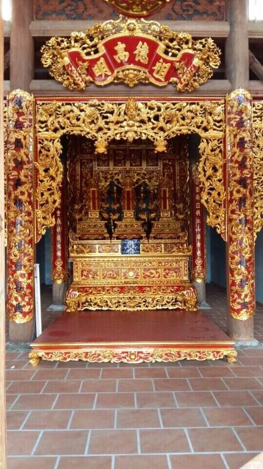Bàn thờ Tổ ở khu điện chính của Nhà thờ Tổ nghiệp Hoài Linh tự tay thiết kế