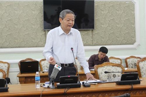 Phó Chủ tịch UBND TP HCM Lê Văn Khoa phát biểu kết luận cuộc họp. Ảnh Bảo Nghi