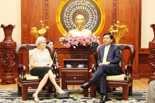Bí thư Thành ủy TP HCM Đinh La Thăng tiếp bà Charlotte Lauren, Đại sứ Vương Quốc Đan Mạch tại Việt Nam