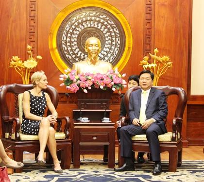 Bí thư Thành ủy Đinh La Thăng tiếp bà Camilla Mellander, Đại sứ Thụy Điển tại Việt Nam