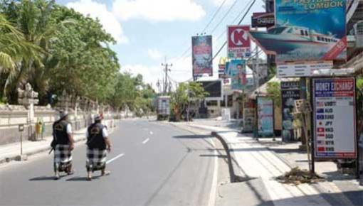 Đường phố vắng tanh trong ngày Nyepi trên đảo Bali Ảnh: Jakarta Post