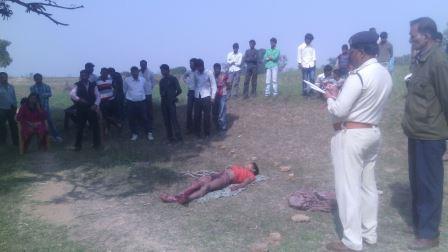 Người đàn ông sau đó đã treo cổ tự sát. Ảnh: Palpalindia.com