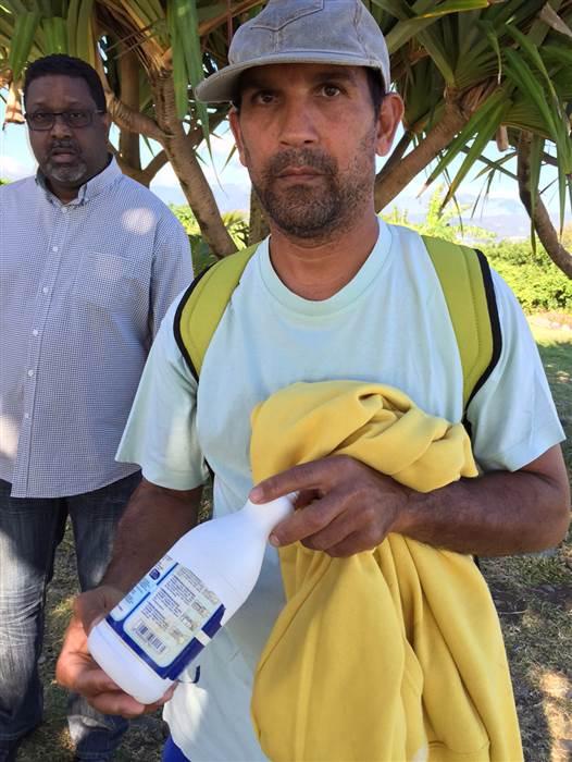 Ông Johnny Begue, người phát hiện cả hai mảnh vỡ nghi của MH370 trên đảo Reunion. Ảnh: NBC News