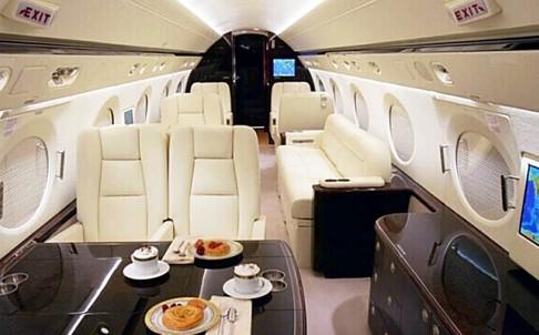 Một giám đốc của viện tài chính tỉnh Sơn Tây yêu cầu 12 công ty góp tiền để mua chiếc máy bay trị giá 390 triệu nhân dân tệ. Ảnh: DEERJET.COM