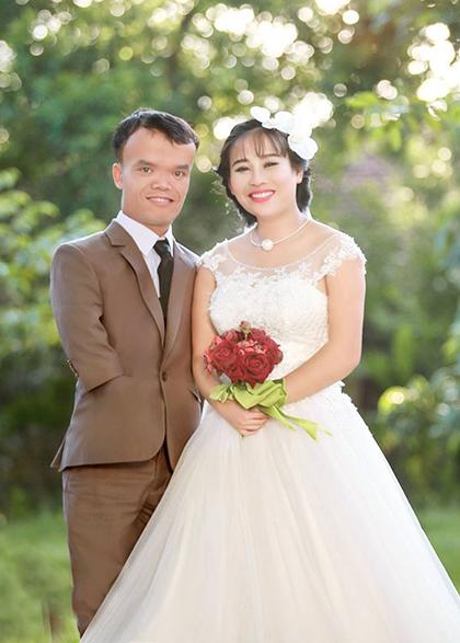 Cường và Phượng sẽ tổ chức hôn lễ vào ngày 28-7. Ảnh: Huế Chung.