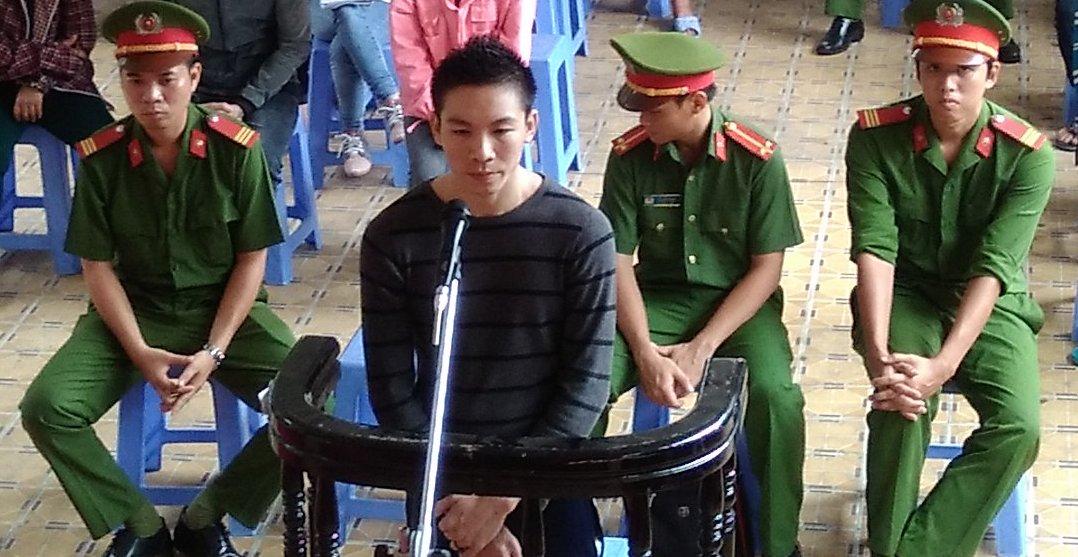 Bị cáo Khưu Văn Minh tại toà