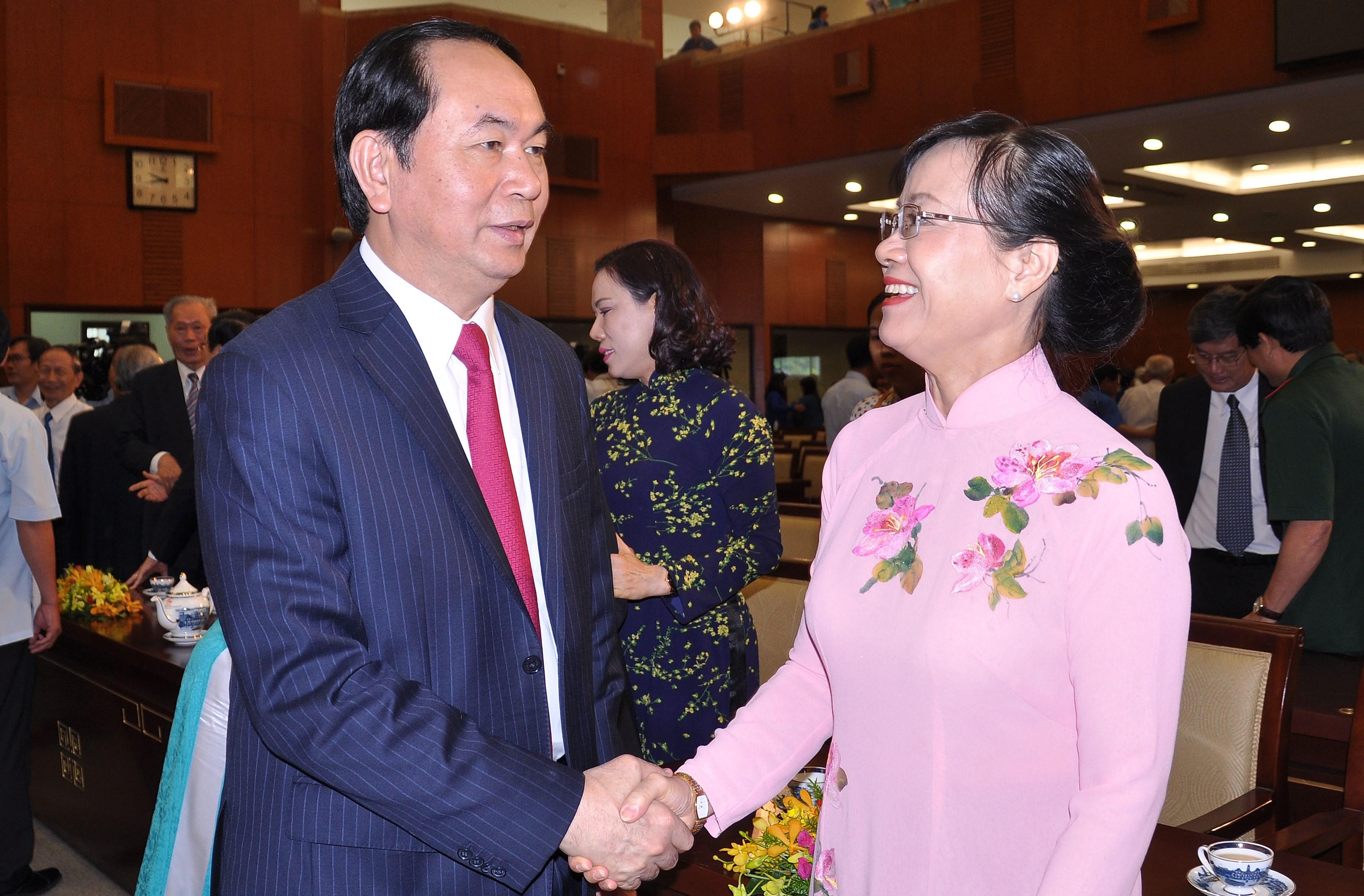 Chủ tịch nước Trần Đại Quang trao đổi với Chủ tịch HĐND TP HCM Nguyễn Thị Quyết Tâm
