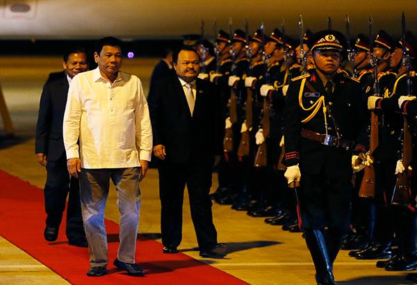 Tổng thống Philippines Rodrigo Duterte đã đến Lào hôm 5-9. Ảnh: AP