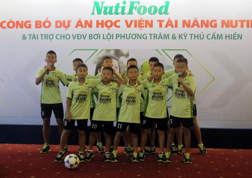 Lứa cầu thủ bóng đá đầu tiên của Học viện NutiFood - JMG