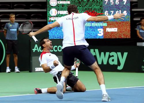 Marin Cilic và Ivan Dodig thắng trận đôi quan trọng