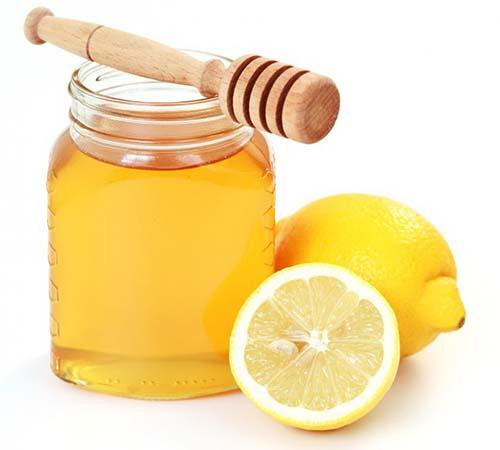 Uống mật ong, nước chanh với nước ấm vào buổi sáng để tăng cường sức khỏe Ảnh: Internet