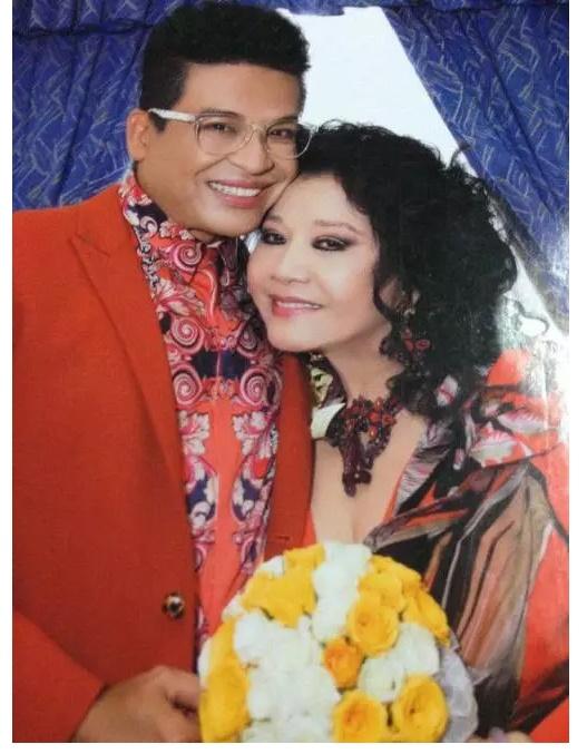 Họ cưới nhau đến lần thứ 9
