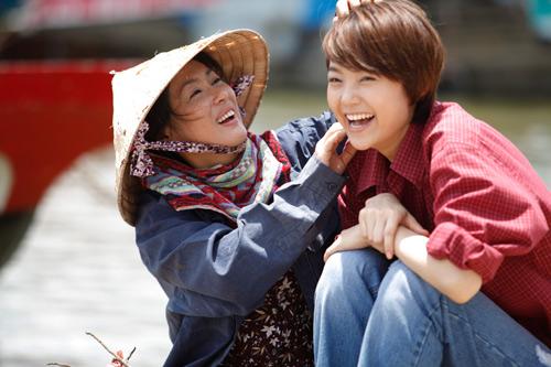 Minh Hằng vai Đông Dương trong phim Vừa đi vừa khóc (đoạt giải Mai Vàng năm 2014)