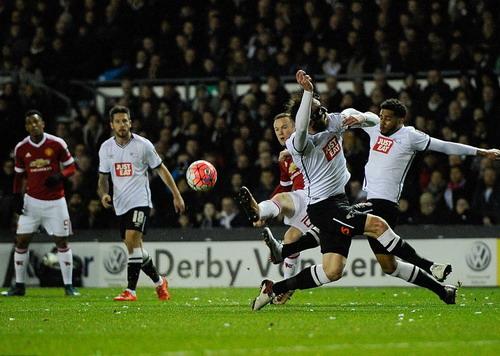 Man United áp đảo Derby từ đầu đến cuối trận