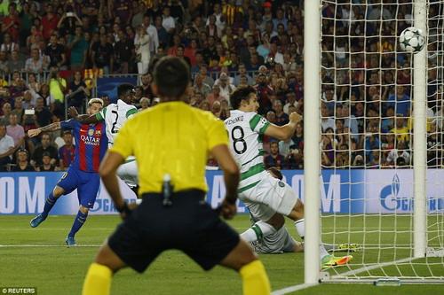 Barcelona có bàn mở tỉ số chỉ sau 3 phút do công của Messi