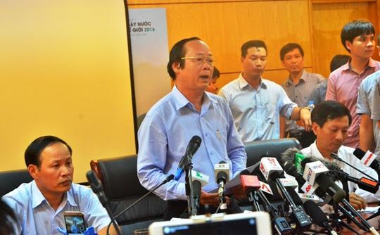 Thứ trưởng Bộ TN-MT Võ Tuấn Nhân trong cuộc họp báo tối ngày 27-4 - Ảnh: Nguyễn Hưởng