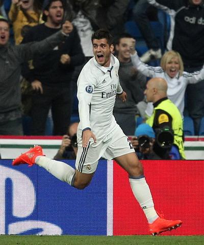 Siêu dự bị Alvaro Morata ấn định chiến thắng 2-1 ở phút 95