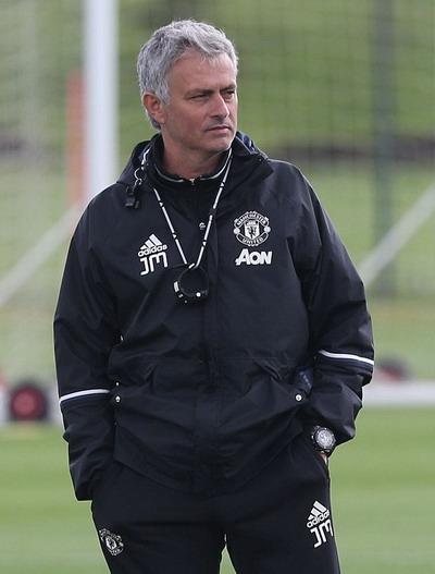 Đế chế Mourinho được hình thành ở Old Trafford