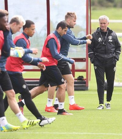 Luke Shaw được Mourinho theo dõi chặt chẽ