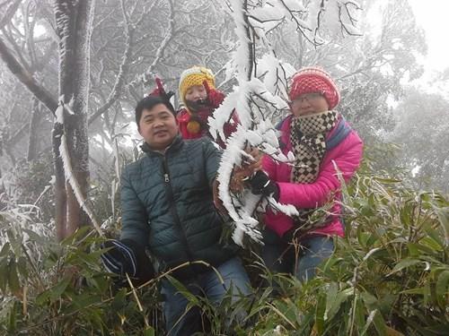 Băng giá ở huyện Nguyên Bình (tỉnh Cao Bằng) tháng 12-2015