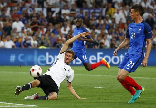 Đức thiếu một chân sút thực thụ dù vẫn còn Vua phá lưới World Cup Mueller