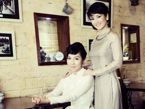 Mỹ Linh - Hồng Nhung luôn thân thiết với nhau như chị em