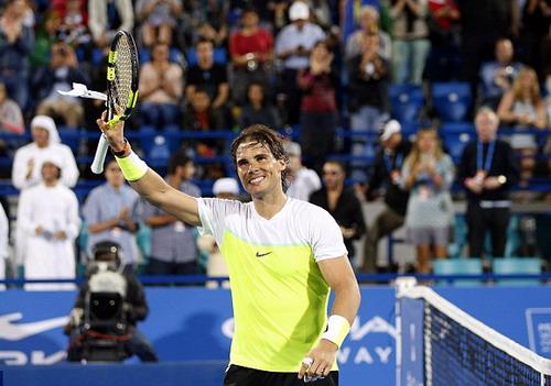 Ông vua sân đất nện Nadal có chiến thắng đầu mùa