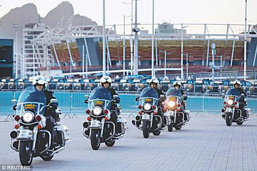 Cảnh sát Brazil tuần tiễu tại Công viên Olympic ở Rio