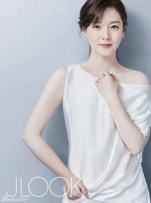 Vẻ đẹp được đánh giá bất chấp thời gian của Young Ae