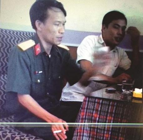 Trung tá Nguyễn Văn Dũng, giảng viên Học viện Kỹ thuật quân sự - ảnh trong phóng sự của nhà báo Thu Trang