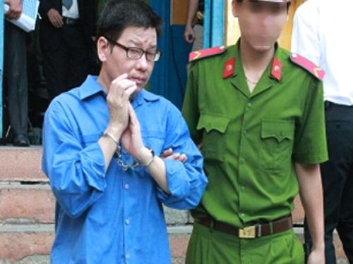 Nguyễn Văn Lợi, cựu giám đốc Công ty TNHH tư vấn thiết kế xây dựng KTT, trong phiên tòa tháng 6-2015