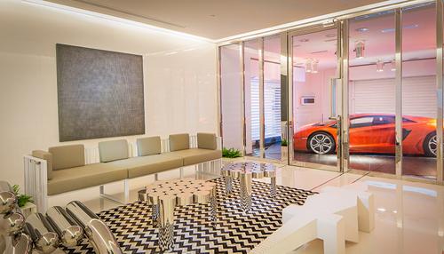 Căn hộ có siêu xe lên nhà bằng thang máy