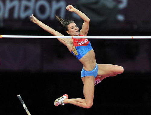 Nhảy sào nữ hấp dẫn hơn với những lần chinh phục đỉnh cao của Isinbayeva