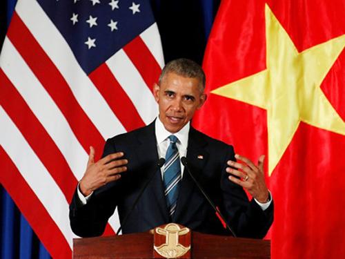 Tổng thống Mỹ bày tỏ đang mong chờ có cơ hội trò chuyện với người dân Việt Nam - Ảnh: Reuters