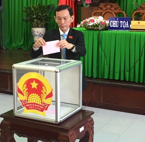 Ông Võ Thành Thống tái đắc cử Chủ tịch UBND TP Cần Thơ.