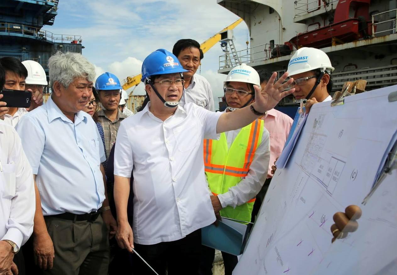 Phó Thủ tướng Trịnh Đình Dũng yêu cầu đẩy nhanh các dự án điện để đảm bảo nhu cầu điện ở miền Nam - Ảnh: Xuân Tuyến