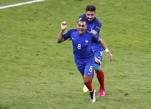 Payet lập siêu phẩm ở phút 90+2 cho tuyển Pháp